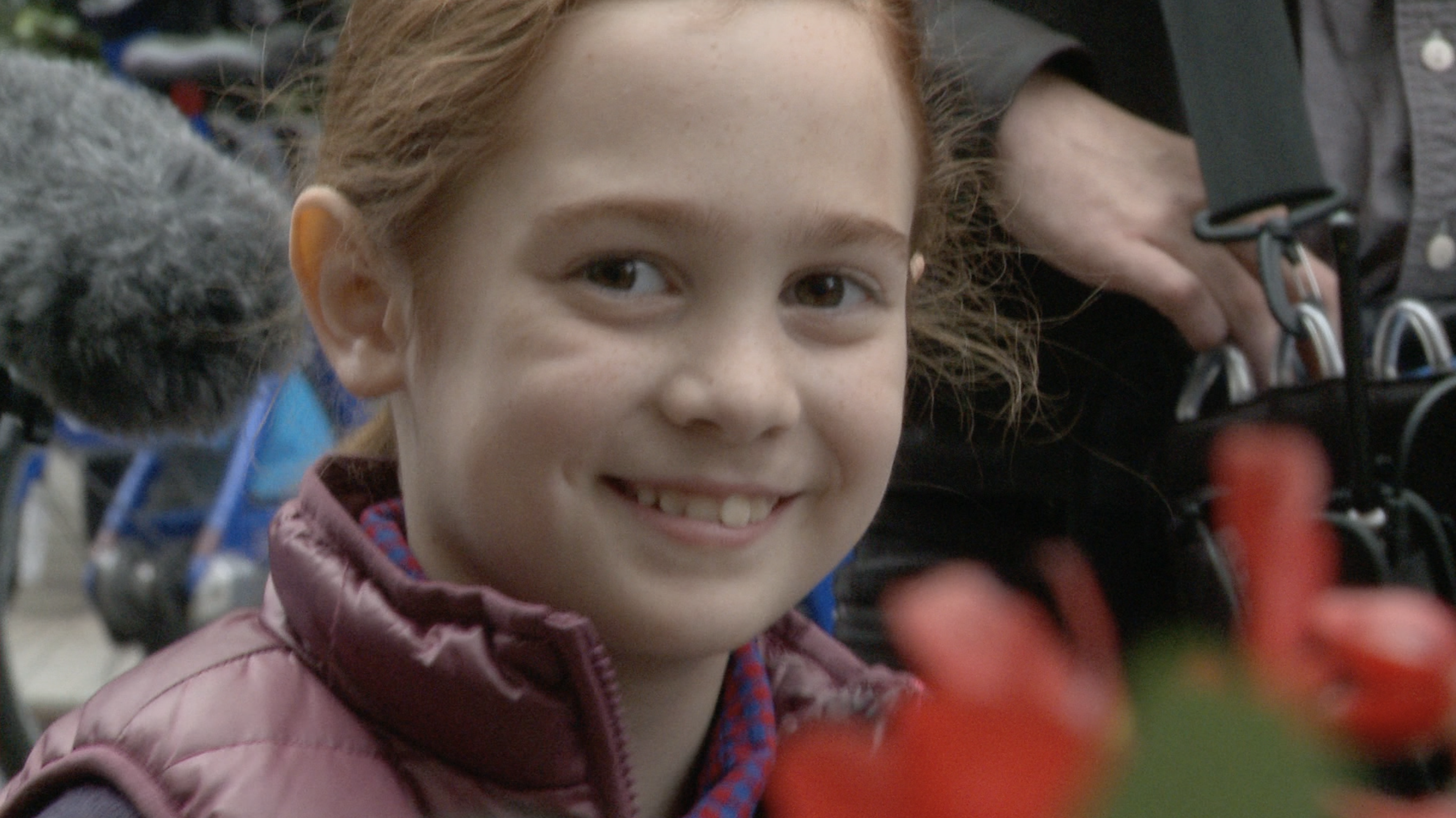 """""""Ace the Case"""" Behind the Scenes – THE LITTLEST BIGGEST STAR"""